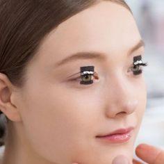 fcefa20a5cb05c8dbc60128bc690add1--graphic-eyeliner-graphic-makeup